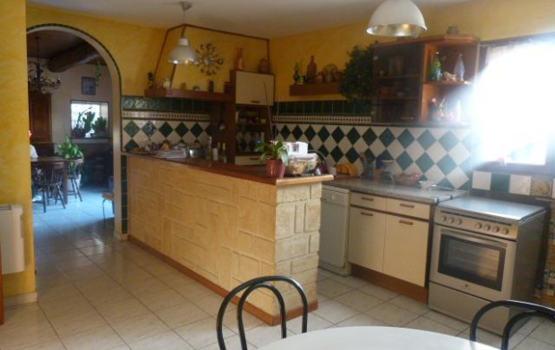 A MEZE IMMOBILIER : Appartement | MEZE (34140) | 138 m2 | 270 000 €